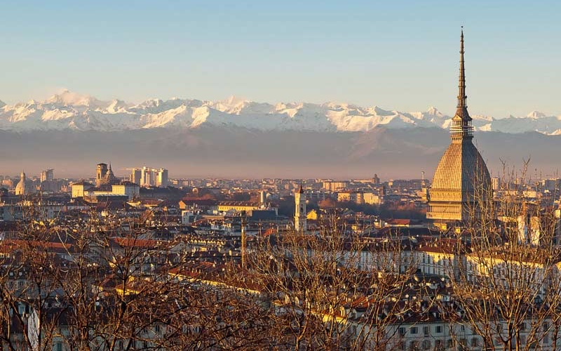 Turin: memoirs of a Capital town