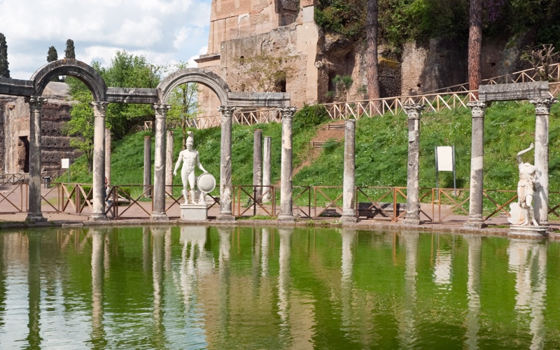 "A Day Trip from Rome: Tivoli, or ""it's good to be the Pope's grandson!"""
