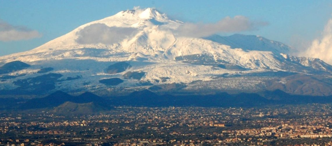 Mt_Etna_and_Catania